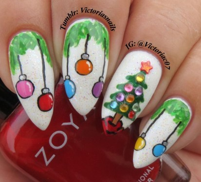 Outstanding Christmas Nail Art New 2017 Ideas10