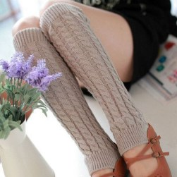 Incredible Winter Outfits Ideas With Leg Warmers02