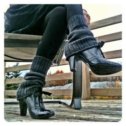 Incredible Winter Outfits Ideas With Leg Warmers05