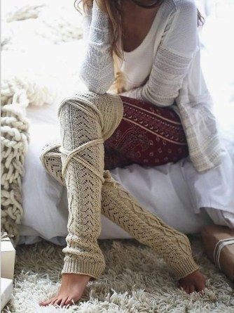 Incredible Winter Outfits Ideas With Leg Warmers06