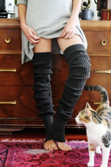 Incredible Winter Outfits Ideas With Leg Warmers32