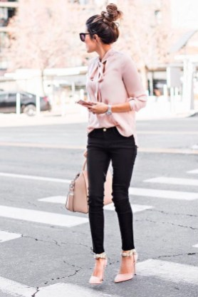 Inpiring Outfits Ideas For Valentines Day33