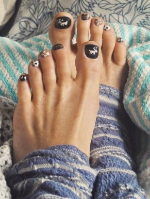 Stunning Toe Nail Designs Ideas For Winter32
