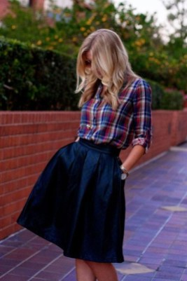 Stunning Winter Outfits Ideas With Skirts26