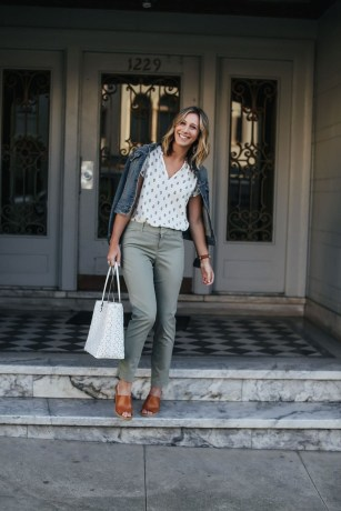 Beautiful Outfits Ideas To Wear This Spring17