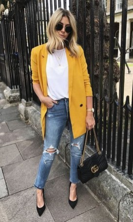 Captivating Spring Outfit Ideas25