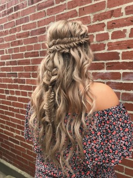 Charming Hairstyles Ideas For Long Hair17