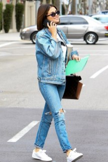 Latest Jeans Outfits Ideas For Spring19