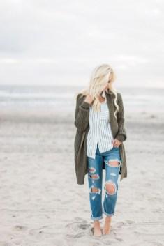 Stylish Fashion Beach Outfit Ideas22
