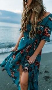 Stylish Fashion Beach Outfit Ideas30