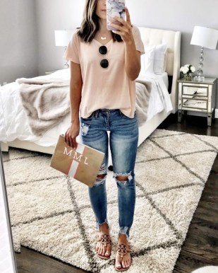 Attractive Spring Outfits Ideas26