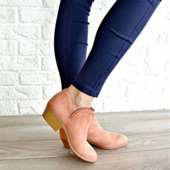 Best Ideas To Wear Wide Ankle Boots This Spring16
