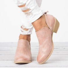 Best Ideas To Wear Wide Ankle Boots This Spring29