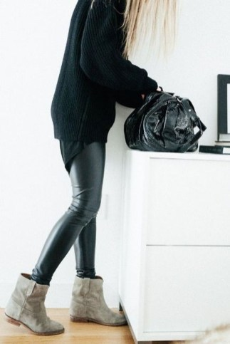 Best Ideas To Wear Wide Ankle Boots This Spring35