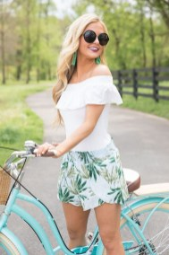 Charming Women Outfits Ideas For Spring And Summer01