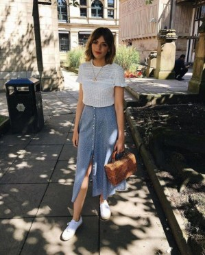 Charming Women Outfits Ideas For Spring And Summer25
