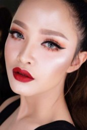 Stunning Eyeliner Makeup Ideas For Women18