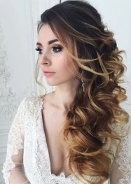 Captivating Boho Hairstyle Ideas For Curly And Straight Hair40