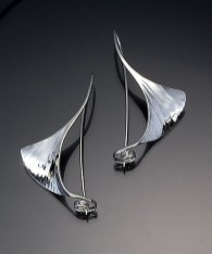 Captivating Silver Accessories Ideas For Add In Your Appearance08