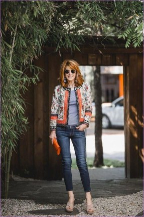 Pretty Styles Ideas For 50 Year Old Woman17