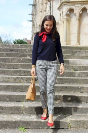 Creative Work Outfits Ideas For Womens26