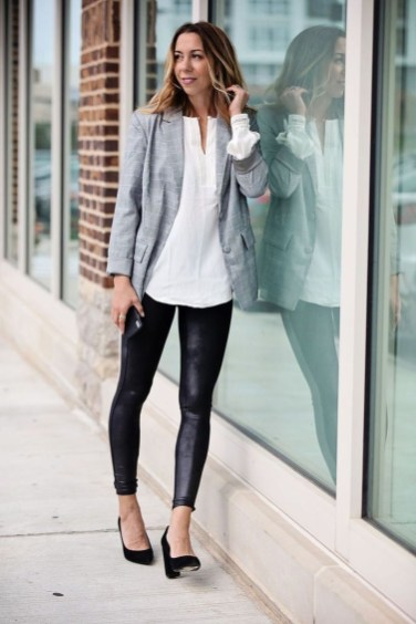 Fancy Work Outfits Ideas With Black Leggings To Copy Right Now30