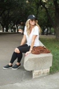 Inspiring Summer Outfits Ideas With Leggings To Try10