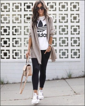 Inspiring Summer Outfits Ideas With Leggings To Try25