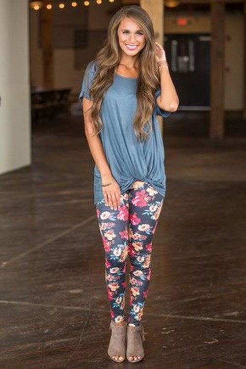Inspiring Summer Outfits Ideas With Leggings To Try38
