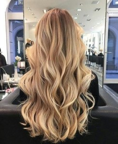 Latest Wavy Long Hair Styles Ideas For Blonde Females 201922