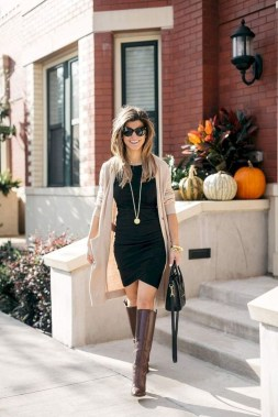 Charming Outfit Ideas That Perfect For Fall To Try25