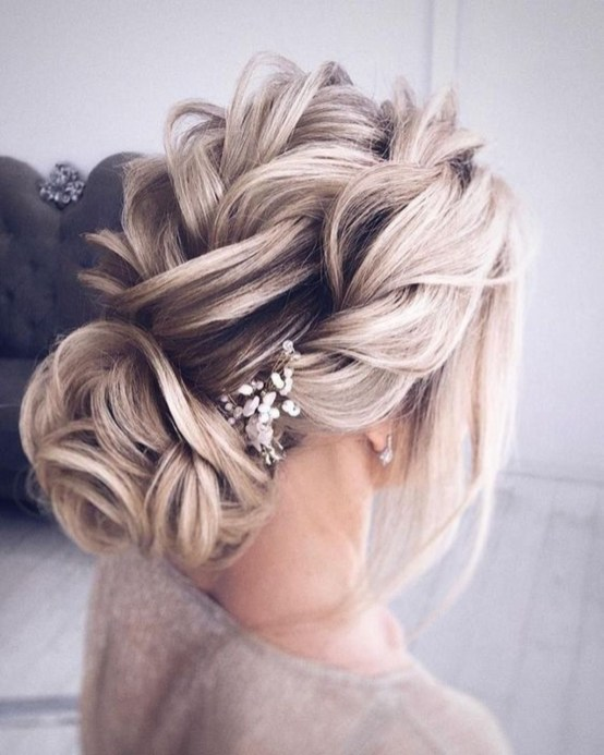 Elegant Wedding Hairstyle Ideas For Brides To Try37