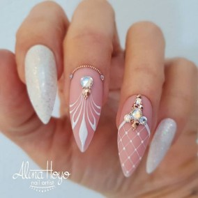 Fashionable Pink And White Nails Designs Ideas You Wish To Try03