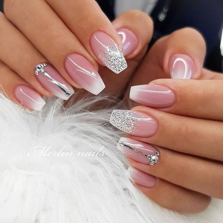 Fashionable Pink And White Nails Designs Ideas You Wish To Try24