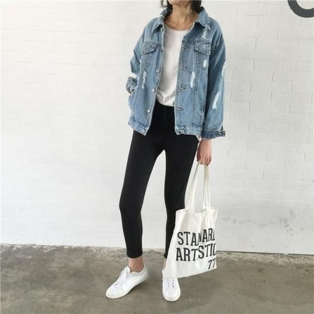 Flawless Outfit Ideas How To Wear Denim Jacket35