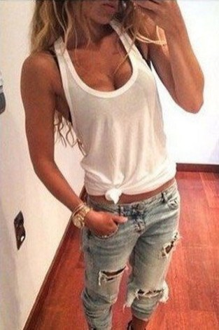 Hottest Women Summer Outfits Ideas With Ripped Jeans To Try09
