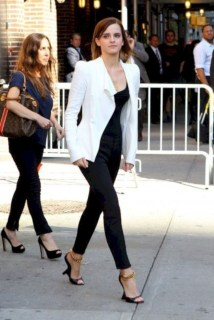 Impressive Spring And Summer Work Outfits Ideas For Women11