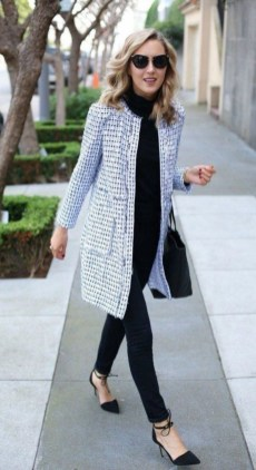 Impressive Spring And Summer Work Outfits Ideas For Women15