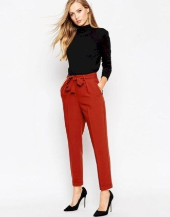 Impressive Spring And Summer Work Outfits Ideas For Women17