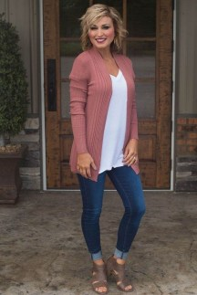 Inspiring Spring And Summer Outfits Ideas For Women Over 4031
