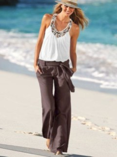 Newest Summer Beach Outfits Ideas For Women 201919