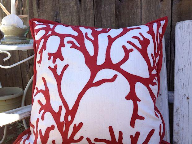Cute Ruffled Throw Pillow Sewing Tutorial