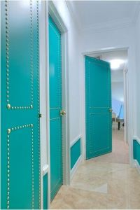 My Hallway  Paneled Interior Doors vs. Flat (Flush ...