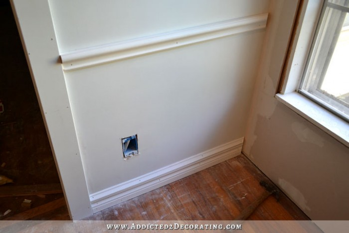 picture frame moulding below chair rail kneeling review how to install molding baseboard and wainscoting addicted2decorating