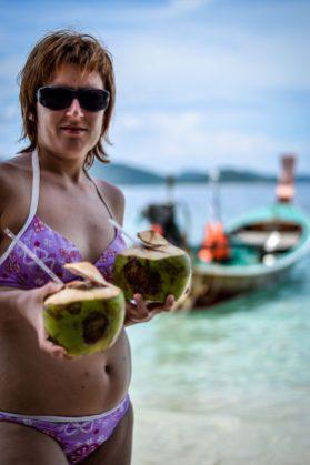 świeże mleczko kokosowe to idealne orzeźwienie