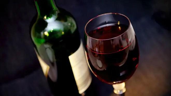 تاريخ ادمان الخمور