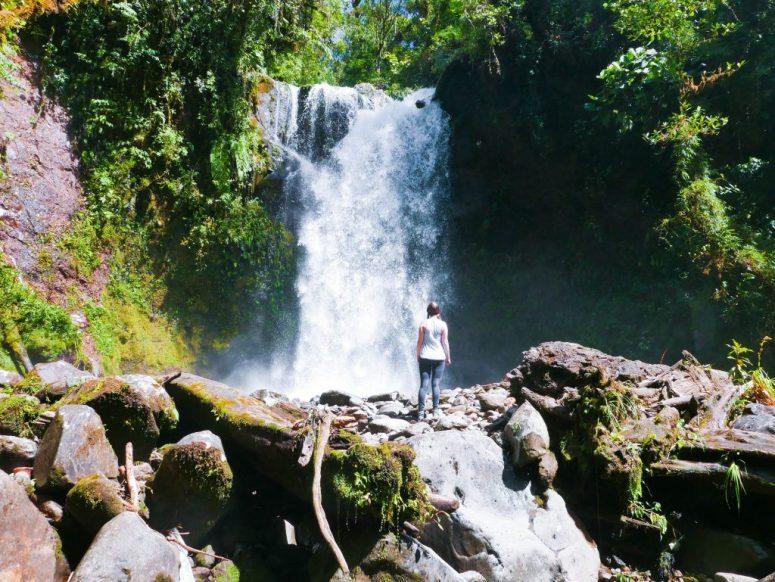 lost waterfalls trail hike boquete