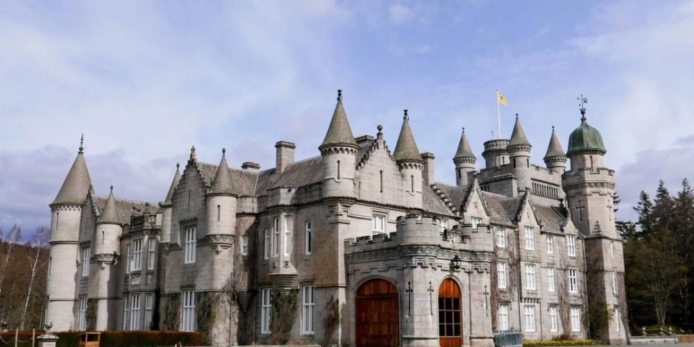 Scottish Castle Hopping // A Day Trip from Home