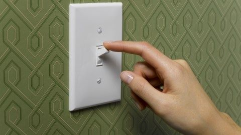 Turning off the light can help when you can't sleep.