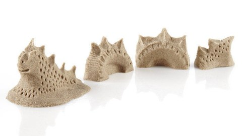 Kinetic Sand, a perfect gift to solve the ADHD problem of busy hands